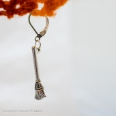 Broomstick stitch marker