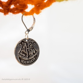 Hogwarts Crest stitch marker